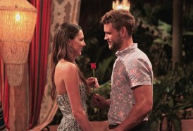 jen-nick-viall-bachelor-in-paradise-rose-ceremony