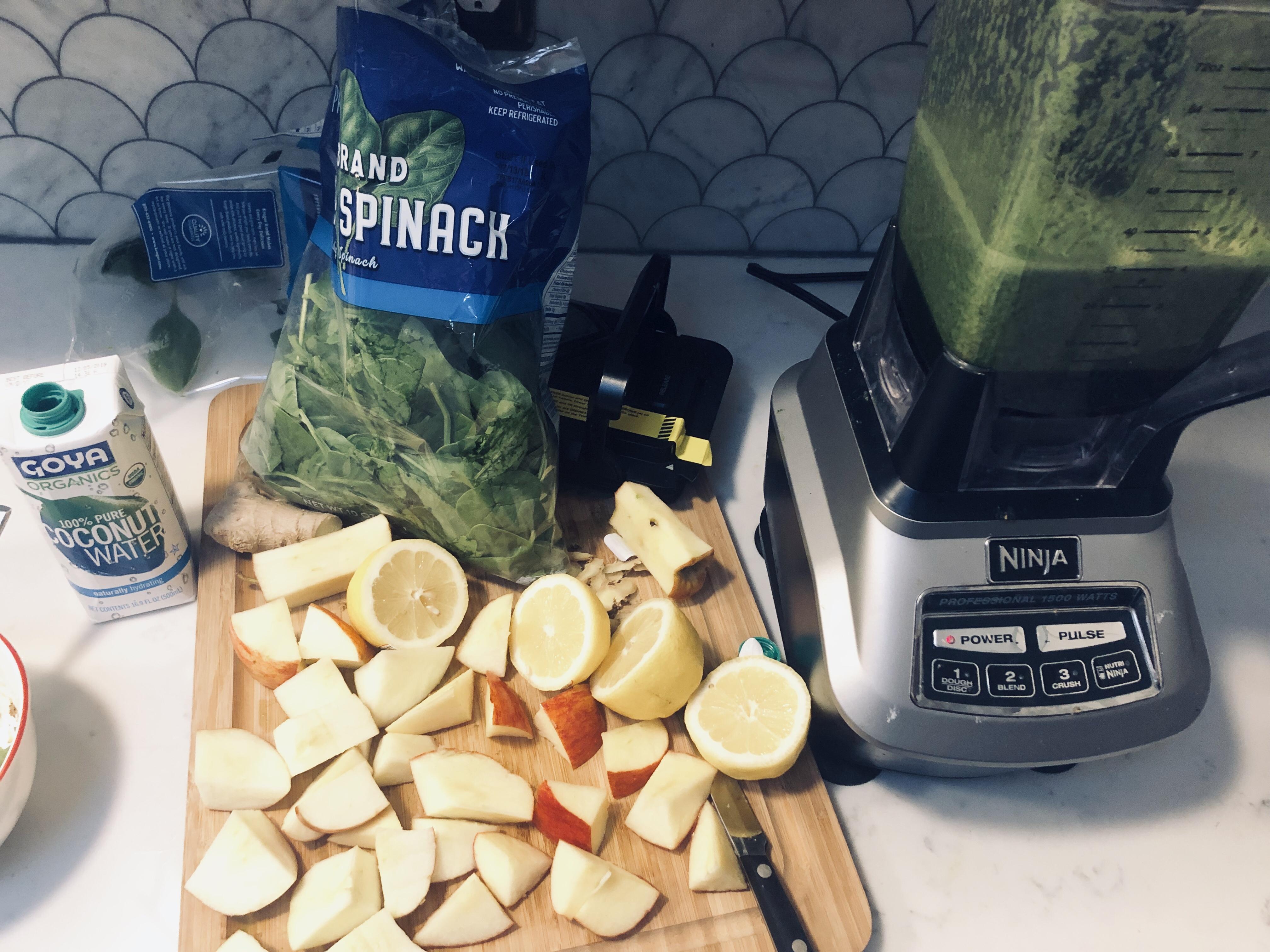 A Green Juice Recipe That Doesn't Taste Like A Trash Can | It's Fine I'm Fine Blog