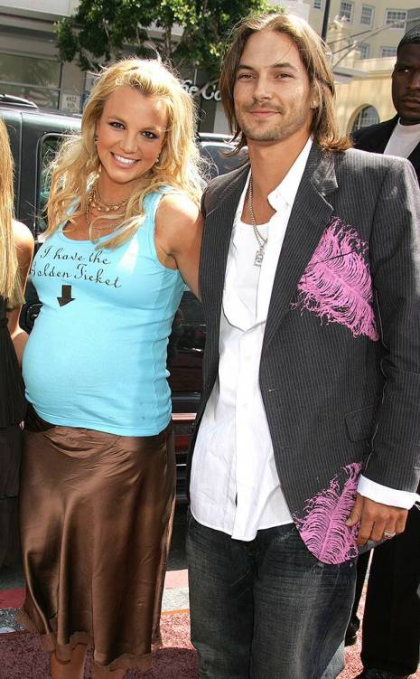 rs_634x1024-170216164417-634.britney-spears-kevin-federline.kg_.021617